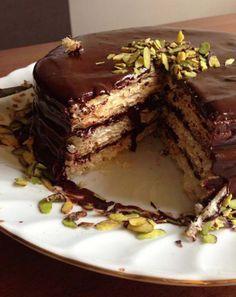 Kağıt helva pastası Paper halva cake … How to prepare a very practical and delicious cake Pasta Cake, Super Rapido, Cold Cake, Cake Board, Pudding Cake, Turkish Recipes, Chocolate Desserts, No Cook Meals, Yummy Cakes