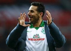 Claudio Pizarro will sign a one year deal with Werder Bremen.  15 goals in his last 18 games.  He's 37!  via Squawka