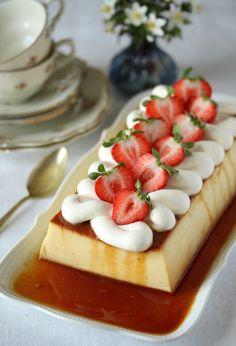 Karamellpudding med søtet kondensert melk Pudding Desserts, Custard, Panna Cotta, Waffles, Sweets, Baking, Lag, Breakfast, Ethnic Recipes