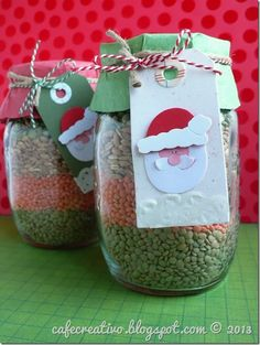 Soup Mix in a Jar Recipe Italian Tuscan soup by cafe creativo Christmas Food Gifts, Christmas Projects, Holiday Crafts, Christmas Time, Christmas Cards, Christmas Decorations, Christmas Ornaments, Holiday Decor, Merry Christmas