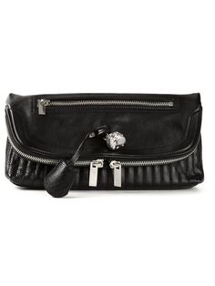 Shop Alexander McQueen 'Skull Padlock' clutch in Spinnaker 101 from the world's best independent boutiques at farfetch.com. Over 1000 designers from 300 boutiques in one website.