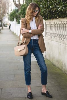 spring / summer - fall / winter - spring fashion - fall fashion - spring outfits - fall outfits - street style - street chic style - casual outfits - light brown blazer, white shirt, crop jeans, black mule flats, nude shoulder bag, silver aviator sunglasses