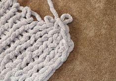 Easy Chunky Hand-Knitted Blanket in One Hour : Easy Chunky Hand-Knitted Blanket. Easy Chunky Hand-Knitted Blanket in One Hour : Easy Chunky Hand-Knitted Blanket in One Hour: 8 Steps (with Pictures) Chunky Knit Throw Blanket, Hand Knit Blanket, Knitted Baby Blankets, Star Blanket, Finger Knitting, Arm Knitting, Baby Knitting Patterns, Scarf Patterns, Knitting Tutorials