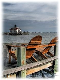 Roanoke Marshes Lighthouse in Manteo. this place. Vacation Destinations, Dream Vacations, Vacation Spots, Beach Vacations, North Carolina Homes, South Carolina, The Places Youll Go, Places To See, Roanoke Island