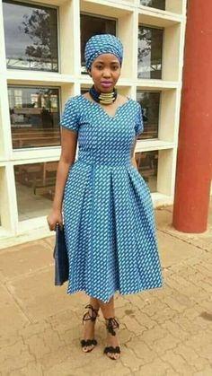New Traditional Shweshwe Wedding Dresses for Women 2019 - Frauen Haar Modelle African Attire, African Dress, African Art, African Print Fashion, African Fashion Dresses, Seshoeshoe Designs, Dress Designs, Seshweshwe Dresses, Wedding Dresses