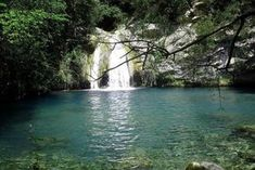 CATALONIA: Girona: piscina natural de Aniol Aguja Places In Spain, Oh The Places You'll Go, Places To Visit, Roadtrip, City Break, Spain Travel, The Great Outdoors, Adventure Travel, Travel Destinations