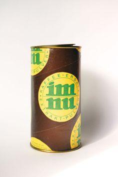 """Das Kaffee-Ersatzpulver """"Im Nu"""" aus der Ausstellung des DDR Museum.   Copyright: DDR Museum, Berlin. Es ist keine kommerzielle Nutzung des Bildes erlaubt. But feel free to repin it!"""