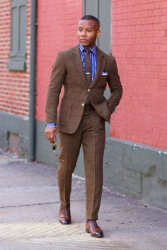 Blazer Outfits Men, Stylish Mens Outfits, Mens Fashion Suits, Mens Suits, Black Men In Suits, Brown Suits For Men, Womens Fashion, Windowpane Suit, Gq Mens Style