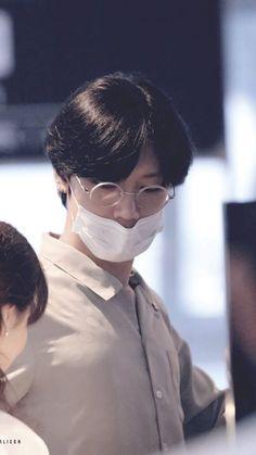 #Ten #NCT | He kind of looks like Yongguk here ^^