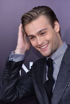 The Sexy British Charm of 'Noah' Star Douglas Booth - Beyond the Box Office - Zimbio