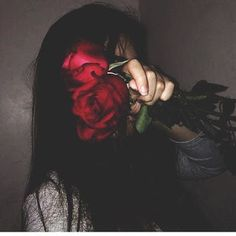 I'm Slowly Losing Interest In EveryThing. Aesthetic Roses, Bad Girl Aesthetic, Red Aesthetic, Aesthetic Grunge, Aesthetic Photo, Aesthetic Pictures, Sad Girl Photography, Grunge Photography, Tumblr Photography