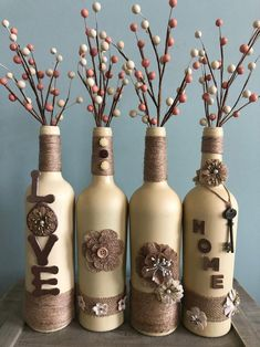 Wonderful Diy Home Decor Design Ideas With Upcycled Bottle Design Glass Bottle Crafts, Wine Bottle Art, Painted Wine Bottles, Diy Bottle, Verre A Vin Design, Bottle Painting, Diy Home Crafts, Mason Jar Crafts, Bottle Design