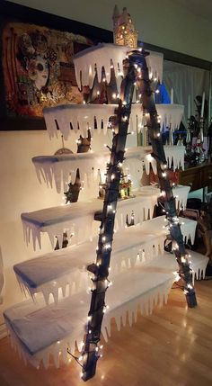Christmas DIY: Christmas Ladder rea Christmas Ladder ready for Village Ladder Christmas Tree, Christmas Village Display, Christmas Villages, Rustic Christmas, Christmas Projects, Winter Christmas, Christmas Home, Modern Christmas, Christmas 2019