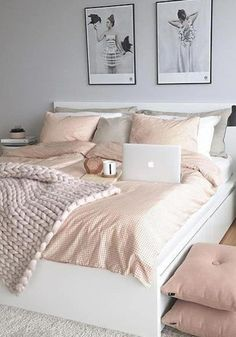 30 Cozy Morden Nordic Style Bedroom Schemes for Girls' Apartment Nordic style is currently a more popular style of home decoration. Its simple color scheme is very natural and comfortable. Home Decor Bedroom, Bedroom Ideas, Cozy Bedroom, Nordic Bedroom, Girl Bedroom Designs, Couple Bedroom, Dream Rooms, My New Room, Cozy House