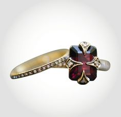 Cathy Waterman Love of My Life the Thorn ring, price upon requestFor information: ylang23.com - Photo: Courtesy of ylang23.com