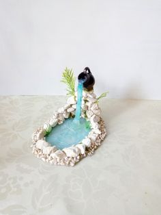 Miniature fairy gardens 600104719073094809 - Source by christinekanche Mini Fairy Garden, Fairy Garden Houses, Fairy Crafts, Garden Crafts, Garden Ideas, Glue Crafts, Diy Arts And Crafts, Fairy Furniture, Fairy Garden Accessories