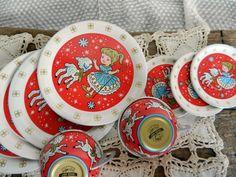Cute Vintage Ohio Art Tin Litho Children's Play Dishes