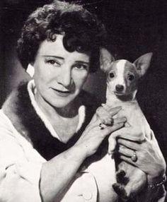 Hylda Baker - Find A Grave Memorial British Female Comedians, British Celebrities, British Comedy, British Actresses, British Actors, Childfree, Comedy Tv, Vintage Tv, Funny People