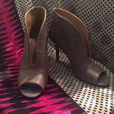 """Nine West taupe peep toe booties Leather nine 9 peep toe 'booties' by Nine West. Patent leather detail on back. Gently loved and comfortable with a 3"""" heel. Taupe color. Comfortable. Nine West Shoes Ankle Boots & Booties"""