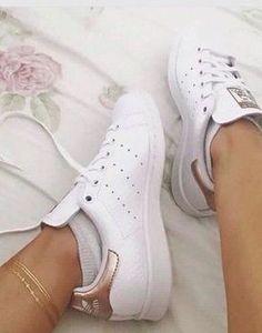 a2b438b5e11 shoes adidas stan smith stan smiths white gold bronze Adidas Outfit,  Schoenen Sneakers, Adidas