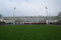 MVV-stadion Football Stadiums, European Football, Mansions, House Styles, Soccer Ball, Fancy Houses, Futbol, European Soccer, Mansion