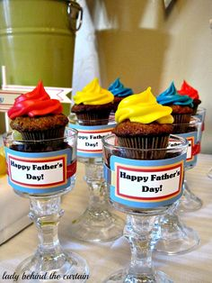 Lady-Behind-The-Curtain-Fathers-Day-Dessert-Table-3.jpg (600×800)