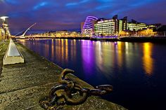 Dublin Docklands at Night from Sir John Rogerson Quay. Photography Composition Rules, Landscape Photography, Photographer Portfolio, Travel Photographer, Aperture Shutter Speed Iso, Deep Depth Of Field, Composition Techniques, Fill The Frame, Rule Of Thirds