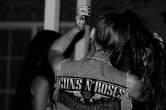 rock style - sick no sleeve jeans jacket!