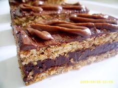 Prajitura cu foi de nuca si ciocolata Romanian Desserts, Romanian Food, Baking Recipes, Cookie Recipes, Dessert Recipes, Food Cakes, Something Sweet, Dessert Bars, Bakery
