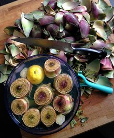 'Tis the season of all things artichoke... How to clean an Italian artichoke step-by-step