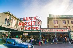 Top 5 Must-Eats at Seattles Pike Place Market