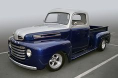 1949 Ford F-1 pickup truck looking great at the Temecula Rod Run, California