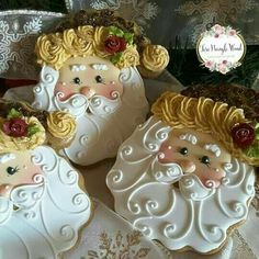 Solve Santa cookies jigsaw puzzle online with 256 pieces Cookies Cupcake, Santa Cookies, Christmas Sugar Cookies, Iced Cookies, Cute Cookies, Christmas Sweets, Christmas Cooking, Noel Christmas, Holiday Cookies