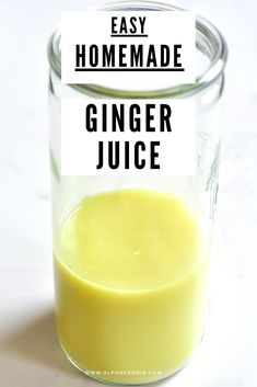 A simple DIY on how to juice ginger with and without a juicer - plus some idea on how to use this highly nutritious, superfood ginger juice and even save the pulp! Ginger Juice, Ginger Tea, Fresh Ginger, How To Store Ginger, Top Juicers, Manual Juicer, Ginger Shot, Unwanted Facial, Health Benefits Of Ginger