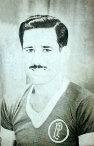 Inocente´s: Juan Raúl Echevarrieta: El terrible Nostalgia, Art, Sports, Football Squads, Academy Football Cleats, Vintage Football, Footprint, Instruments, Green
