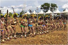 _MG_4188 Guerreiros de diversas  etnias antes da participação no Arco e Flecha no XII Jogos dos Povos Indigenas em Cuiabá, Mato Grosso, Brasil.