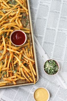 I've been in kind of a citrusy mood lately, which I'm guessing has something to do with summer. So, today I have a citrus-inspired french fry seasoning recipe that you can use all summer long. Cut you