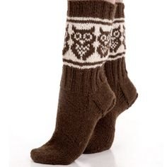 Uglesokken | Garnkurven.no Knitting Charts, Knitting Socks, Knitting Patterns, Mitten Gloves, Mittens, Owl Socks, Knitted Owl, Wrist Warmers, Tights