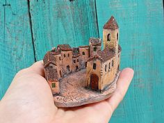 Miniature Medieval village square – ceramic sculpture with mini houses and churc… – Ceramic Art, Ceramic Pottery Clay Houses, Ceramic Houses, Miniature Houses, Ceramic Clay, Ceramic Pottery, Pottery Houses, Clay Projects, Clay Art, Kitsch
