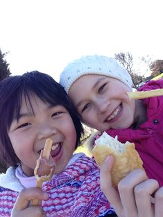 Me and my friend having some fish and chips from my cousins and getting ready into the museum! ❤️ xox