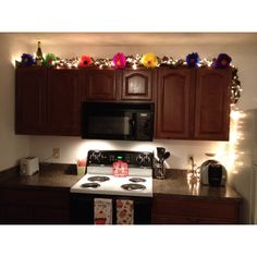 light college apartment rooms. Paper Flowers  Added Lights Leaves A Girly Kitchen Apartment KitchenApartment IdeasKitchen College Livingroom Pallet Lights I Love The Living Room