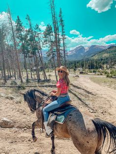Top 5 Things to Do in Colorado – Tripping with my Bff Mountain Park, Rocky Mountain National Park, Cute Friendship Pics, Chautauqua Park, Denver Travel, Cute Instagram Pictures, Most Visited National Parks, Red Rock Amphitheatre, South Fork