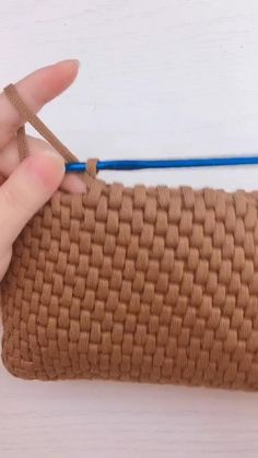 Crochet Bag Tutorials, Crochet Instructions, Crochet Videos, Crochet Crafts, Crochet Projects, Knit Crochet, Free Crochet Bag, Beginner Crochet Tutorial, Jute Crafts