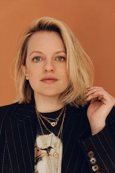 Theres a scene in Elisabeth Moss latest movie The Invisible Man an update of H. Wells 1897 horror classic thats both haunting and a little bit on the nose. Sensing another presence in a dark attic Moss character Cecilia throws the contents Green Screen Suit, Wells, Ghosting Someone, Peggy Olson, Losing People, Get Toned, Saved By The Bell, Social Media Trends, Invisible Man