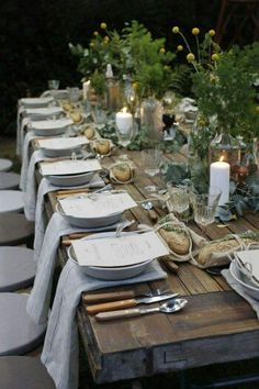 If you've seen Francis Mallman's episode of Chef's Table on Netflix, then you know how absolutely enchanting al fresco dining can be. Nothing says summer like throwing an outdoor dinner party. Even the most rustic cooking techniques can extra chic when di Francis Mallman, Beautiful Table Settings, Al Fresco Dining, Partys, Deco Table, Decoration Table, Farm Table Decor, Outdoor Entertaining, Outdoor Dining