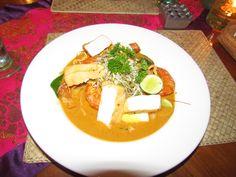 Camarões, tofu e leite de côco, prato de Singapura. Ibu Rai