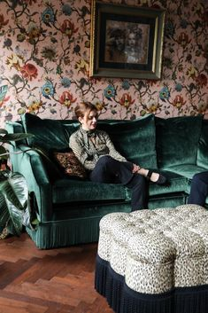 Portrait Founders House of Hackney Frieda Gormley and Javvy M Royle House Hackney London House Of Hackney Wallpaper, Deco Cool, Interior Wallpaper, Living Spaces, Living Room, Interior Decorating, Interior Design, Country Style Homes, Victorian Homes