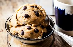 Paleo Cookie Dough, Cookie Dough Recipes, Edible Cookie Dough, Salted Chocolate Chip Cookies, Chocolate Hazelnut, Edible Cookies, Healthy Cookies, No Bake Desserts, Healthy Desserts