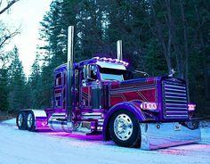 Big Rig show truck Custom Peterbilt, Peterbilt 389, Peterbilt Trucks, Chevy Trucks, Pickup Trucks, Big Rig Trucks, Show Trucks, Old Trucks, Custom Big Rigs