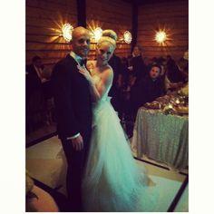 bride and groom, wedding dress, destination wedding up on the blog www.tessarayanne.blogspot.com